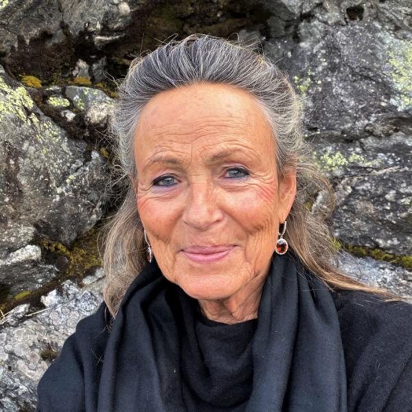 Annette Kaiser Headshot