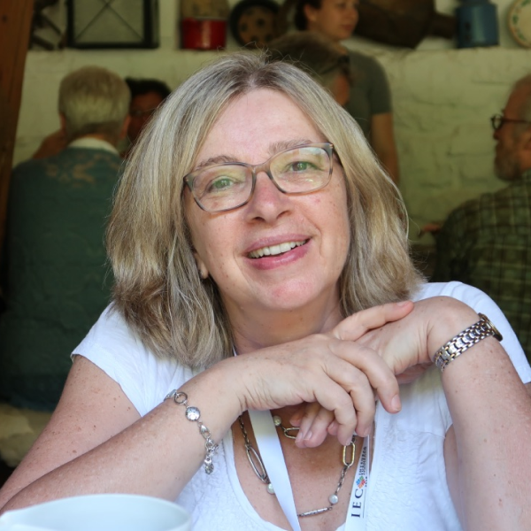 Annette McCall Headshot
