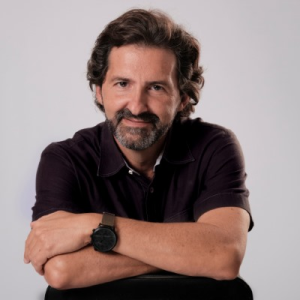 Marco A Robledo Headshot