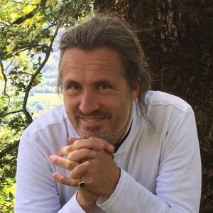 Alexander Schieffer Headshot